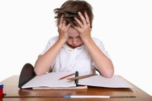crianca-reprovada-escola